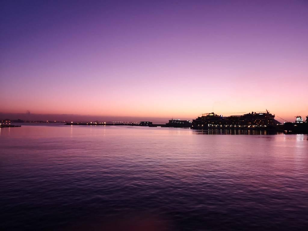 Puerto de Palma. Vimos amanecer después de embarcar